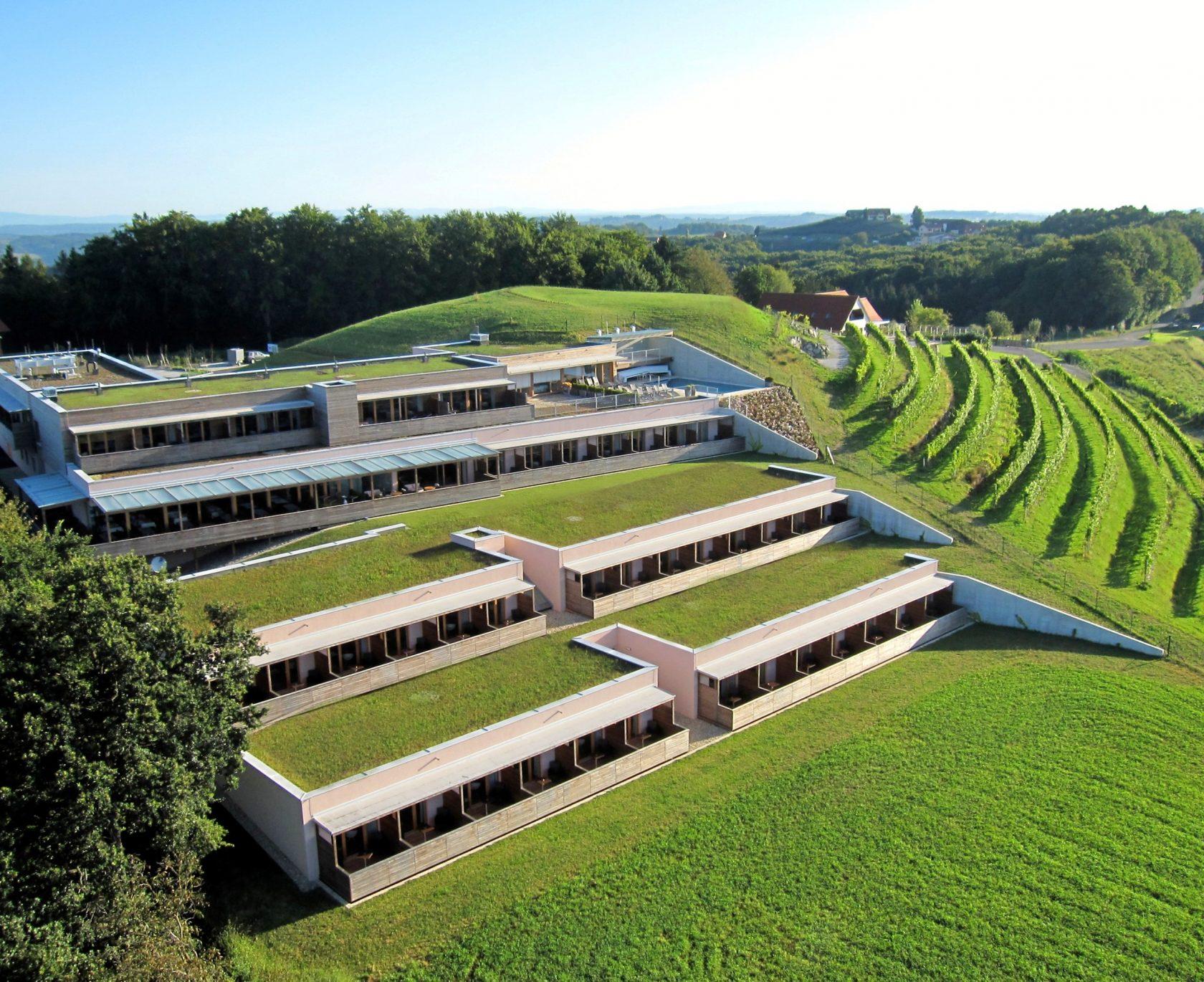Genusshotel Riegersburg bietet einen schönene Ausblick auf die Riegersburg